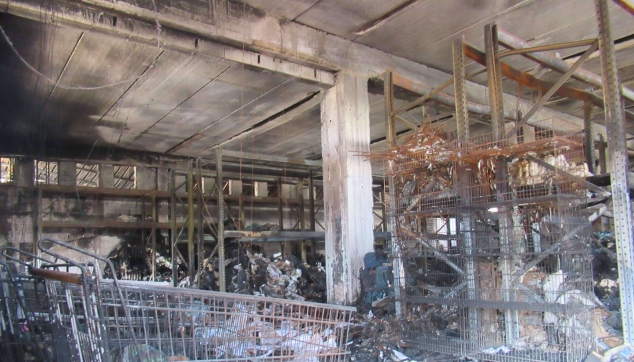 נזקי-אש-נרחבים-בכל-המבנה