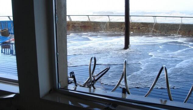 נזקי מים וסופה בנמל תל אביב