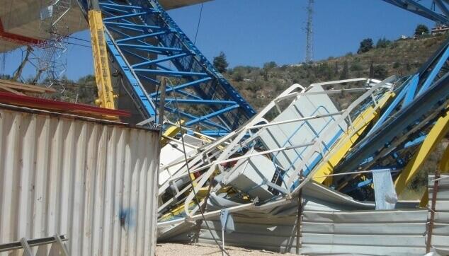 נזק לציוד מכני הנדסי באתר בניה