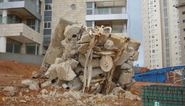 קריסה באתר בנייה