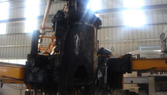 נזק אש במשאבת בטון